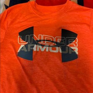 Boys under armour youth small shirt